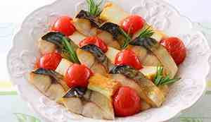 Dish with mackerel and tomatoes